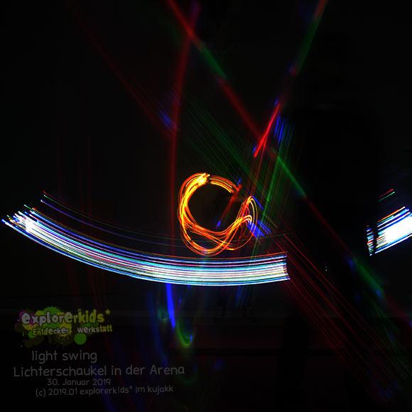 Lichtmalen in der Arena . light swing . explorerkids* . Entdecker Werkstatt im kujakk