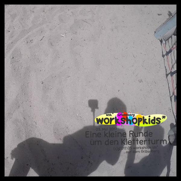 Eine kleine Runde um den Kletterturm . GraeselCityKids . workshopkids*