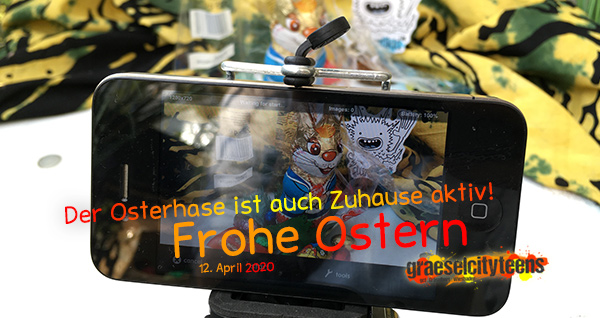 ...frohe Ostern 2020 . Der Osterhase ist auch Zuhause aktiv! . 12. April 2020 . Balkon . Wiesbaden . planet earth